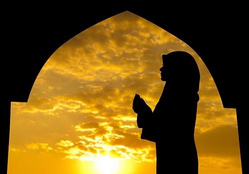 Мусульманка и намаз