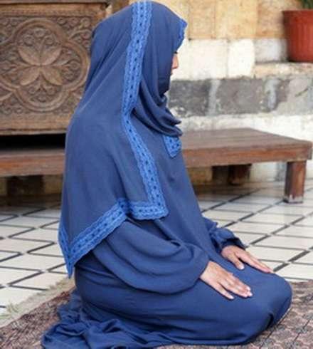 Намаз в хиджабе